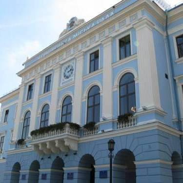 Міськрада Чернівців заборонила використовувати будь-які вивіски зі словом «Росія»