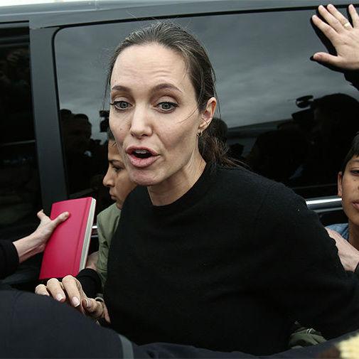 Анджеліна Джолі госпіталізована з вагою 35 кг - ЗМІ