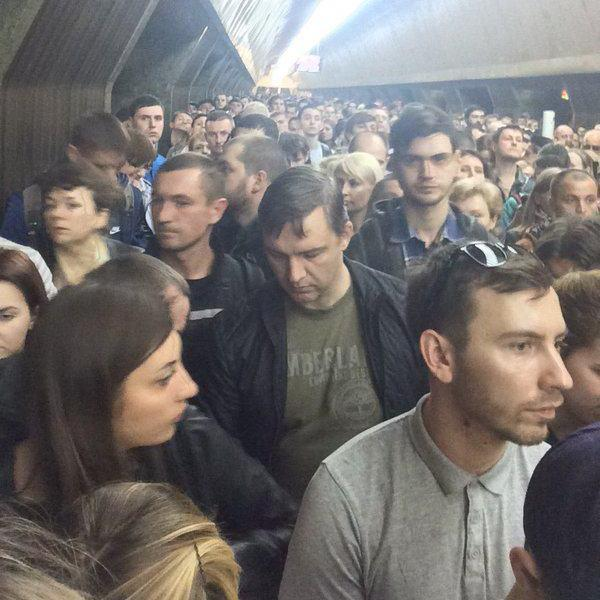 Через замінування чотири станції метро у столиці закриті на вхід