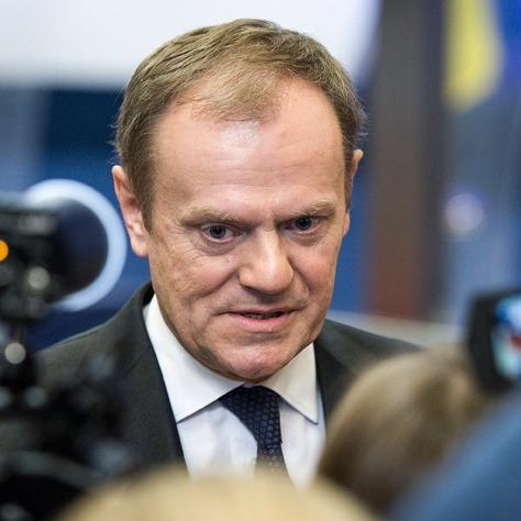 Міноборони Польщі вимагає трибуналу над екс-прем'єром через розслідування авіакатастрофи у Смоленську
