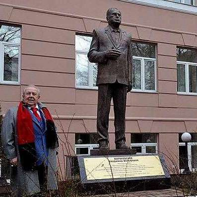 У Москві відкрили пам'ятник Жириновському