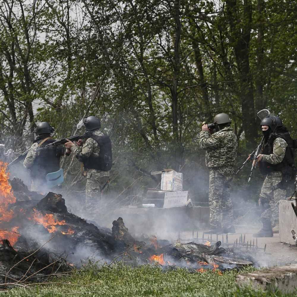 Розвідка повідомила про затятий бій між бойовиками «ДНР» за базу відпочинку