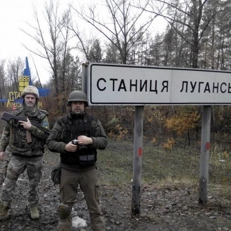 На Луганщині внаслідок обстрілів поранено прикордонника