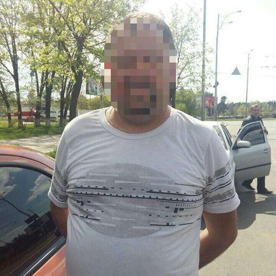 У Києві грабіжник відвіз дівчину до лісу