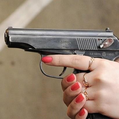 У центрі Донецька жінка пристрелила мирного жителя