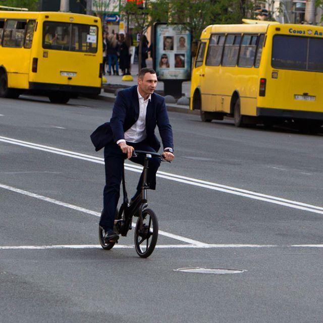 Кличко прокоментував своє падіння з велосипеда