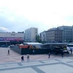 Скандал: в Києві над станцією метро «Олімпіська» почали будівництво ресторану