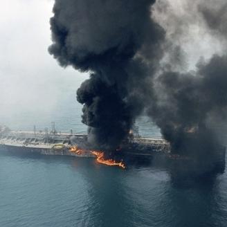 У Каспійському морі горить російський танкер