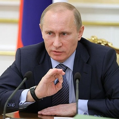 Царська турбота: Путін заборонив продавати сигарети більше 20 штук у пачці