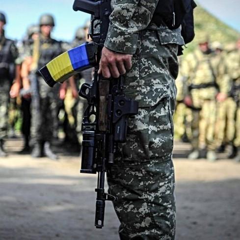 До кінця війни військові не зможуть розірвати контракт з армією