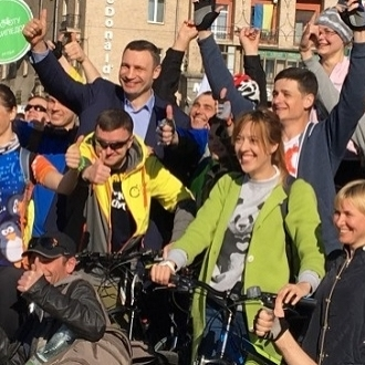 Мер Києва Віталій Кличко взяв участь у акції «Велосипедом на роботу»