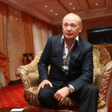 «Юра Єнакіївський» подав до суду на журналіста Юрія Бутусова