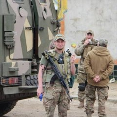 «Азов» продемонстрував бронетехніку в центрі Одеси (відео)