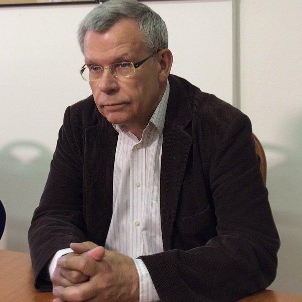 Російський журналіст, якому відмовили в акредитації у Чехії, звернувся за допомогою до прем'єра країни