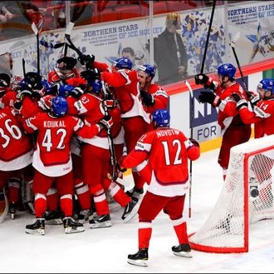 Збірна Росії з хокею розпочала домашній чемпіонат світу з ганебної поразки