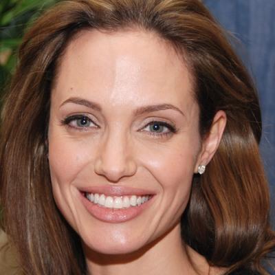 Анджеліна Джолі йде в політику