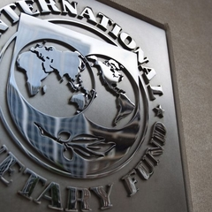 В Україні почала роботу місія МВФ