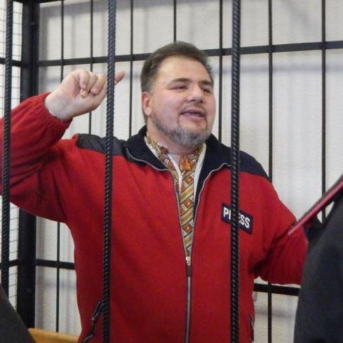 Журналіста, якого звинувачували у державній зраді, засудили на 3,5 роки