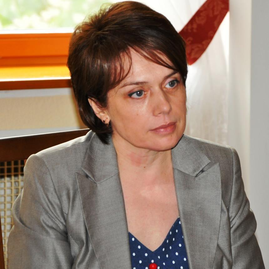 Міністр освіти категорично заборонила вітати її з днем народження