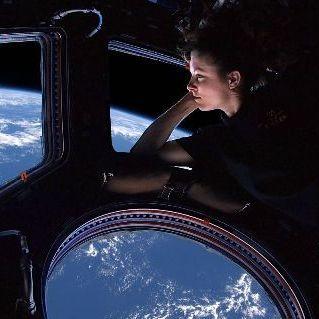 Космічне сміття ледь не пробило ілюмінатор МКС