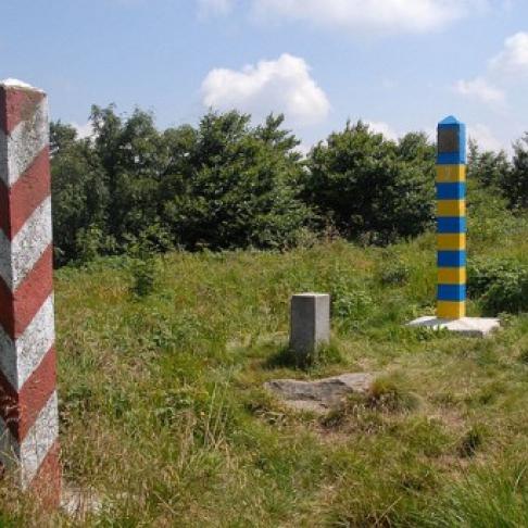 На кордоні з Польщею розбився дельтаплан, є загиблі
