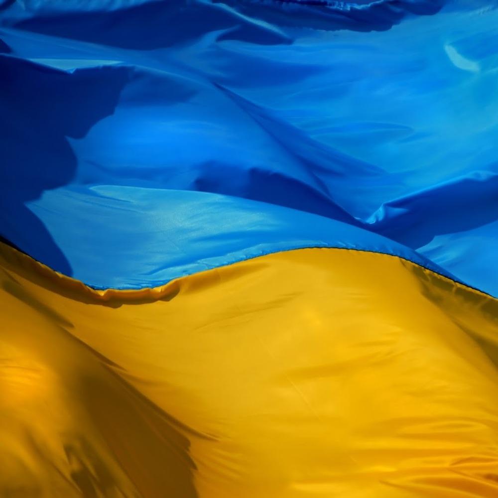 З українського центру в Москві знову зірвали прапор