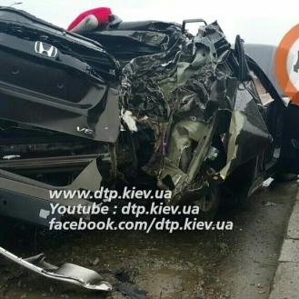 У Києві розбився автомобіль Антона Геращенка (ВІДЕО)
