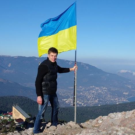 «Я сказав Аксьонову, що він сепаратист і негідник!» - нардеп розповів, як встановлював прапор України в окупованому Криму в 2014 році