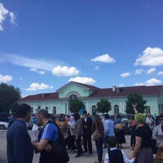 Окупанти в шоці: у Криму «Сигналом скорботи» вшанували жертв депортації татар (ВІДЕО)