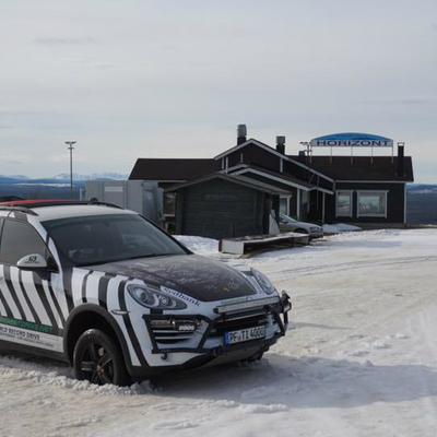Porsche Cayenne проїхав від Норвегії до ПАР за вісім днів (фото)