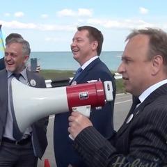 Губернатор Херсонщини заспівав хіт про Путіна на кордоні з окупованим Кримом (ВІДЕО)