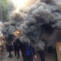 «Азовці» та бійці добробатів прийшли на мітинг під Верховною Радою (ФОТО+ВІДЕО)