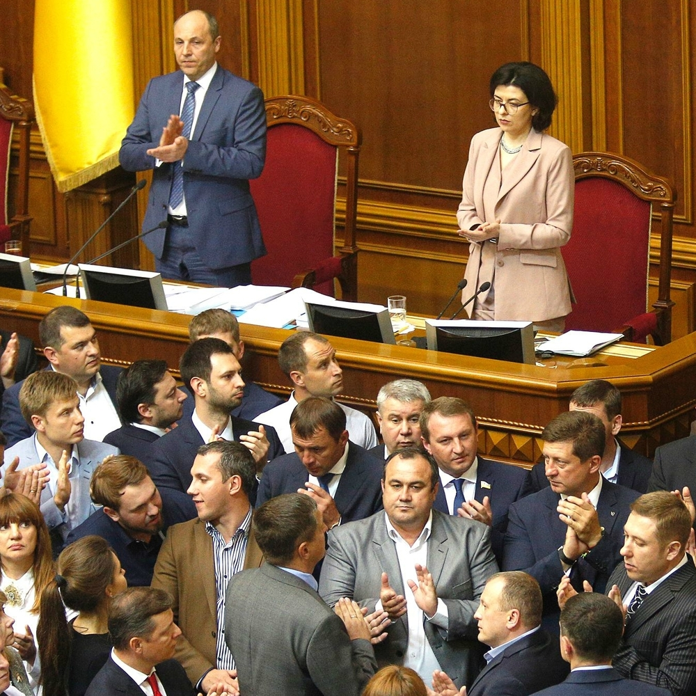 ІноЗМІ про Україну: стара система живе і процвітає