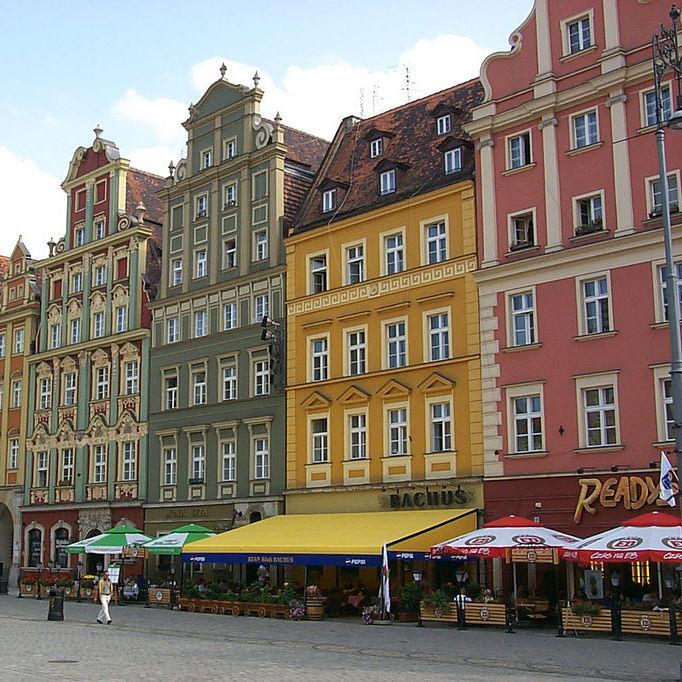 Українці почали масово купувати квартири в Польщі