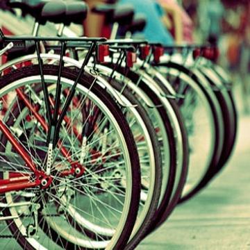 Завтра на Лівобережній відкриється безкоштовний велопаркінг