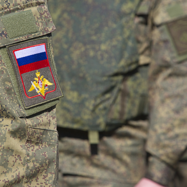 Луганчани побили російського військового