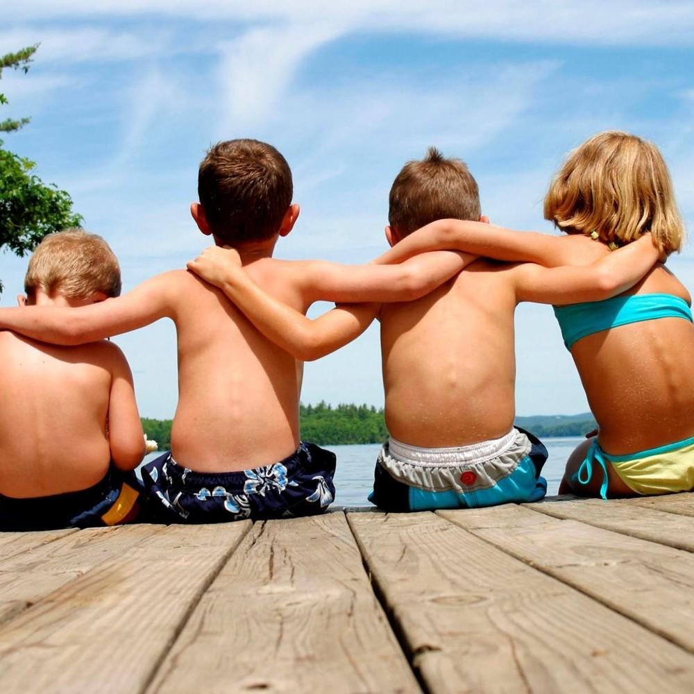 Науковці дослідили, в якому віці людина починає втрачати друзів