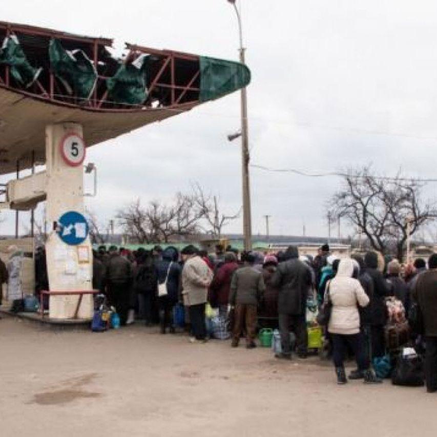 У черзі на виїзд з «ЛНР» помер чоловік