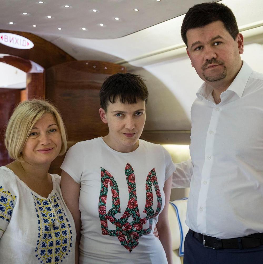Прес-секретар Порошенка розповів, як звільняли Савченко