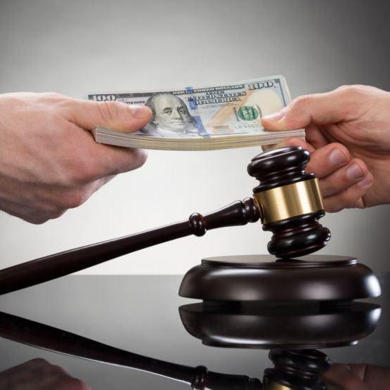 Мер Полтави «попросив» суддю закрити його справу (ВІДЕО)