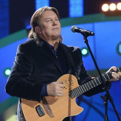 Лоза висловився, що Лазарєв заспівав на «Євробаченні» рівненько-посередненько