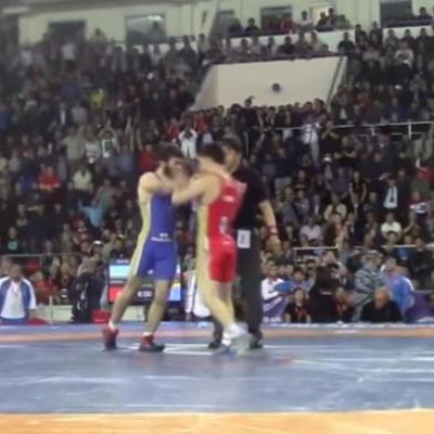 Чемпіонат Росії з боротьби закінчився бійкою (ВІДЕО)