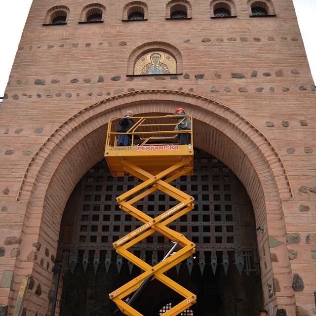 Музей «Золоті ворота» запрошує на відкриття панно «Богородиця – Нікопея»