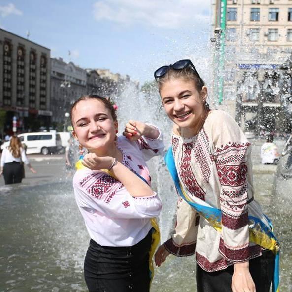 У Києві святкують останній дзвоник (фото)