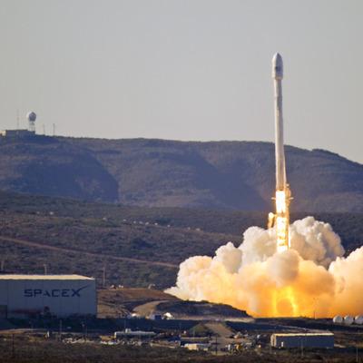 Ракета Falcon 9 з супутником Thaicom 8 стартувала у Флориді