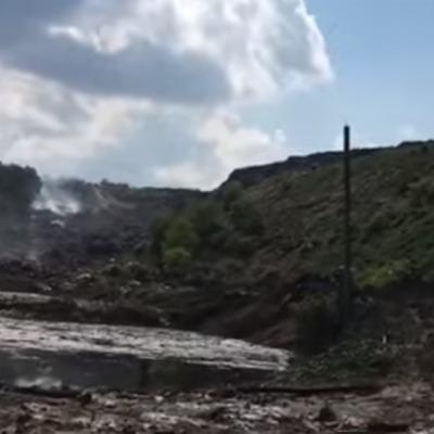 На Львівщині на сміттєзвалищі стався зсув: 5 людей під завалом (ВІДЕО)