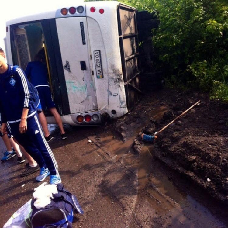 Автобус із юними футболістами потрапив у ДТП під Полтавою