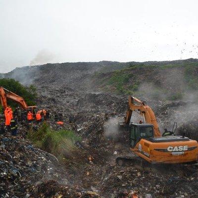 На сміттєзвалищі під Львовом відновили пошуки четвертого зниклого