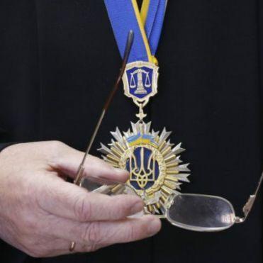Нардепи розглядатимуть зміни до Конституції для судової реформи в присутності Порошенка