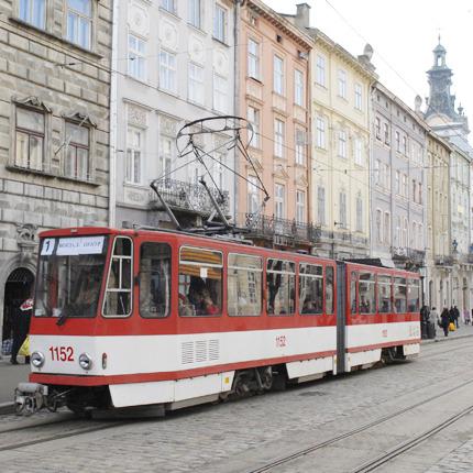 Як львів'яни руками зупинили трамвай без гальм (ВІДЕО)